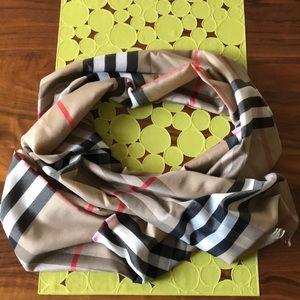 Plaid lightweight spring/summer scarf